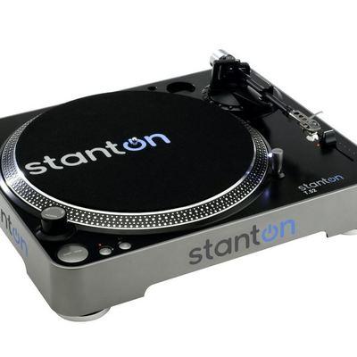 Stanton T52B Straight Arm Belt-Drive Turntable